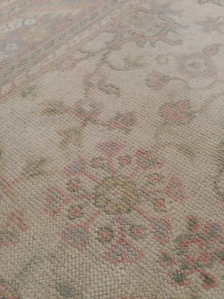 Antique Oushak Carpet, Handmade Turkish Oriental Rug, Beige, Taupe, Soft In Excellent Condition For Sale In New York, NY