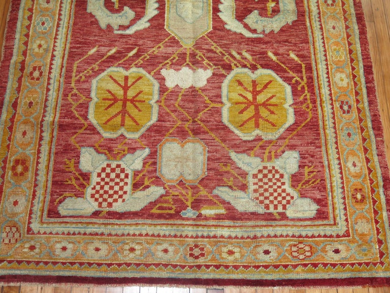 Antique Oushak Rug In Excellent Condition For Sale In New York, NY