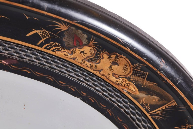 Antique Oval Chinoiserie Lacquered Decorated Wall Mirror In Excellent Condition For Sale In Stutton, GB