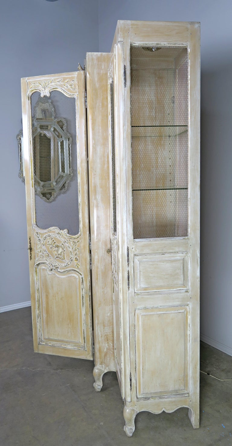 Antique Painted French Louis XV Style Cabinet, circa 1940s For Sale 7
