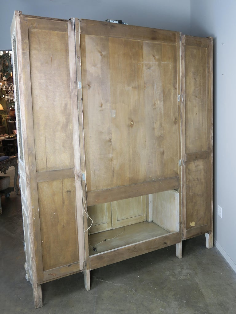 Antique Painted French Louis XV Style Cabinet, circa 1940s For Sale 8