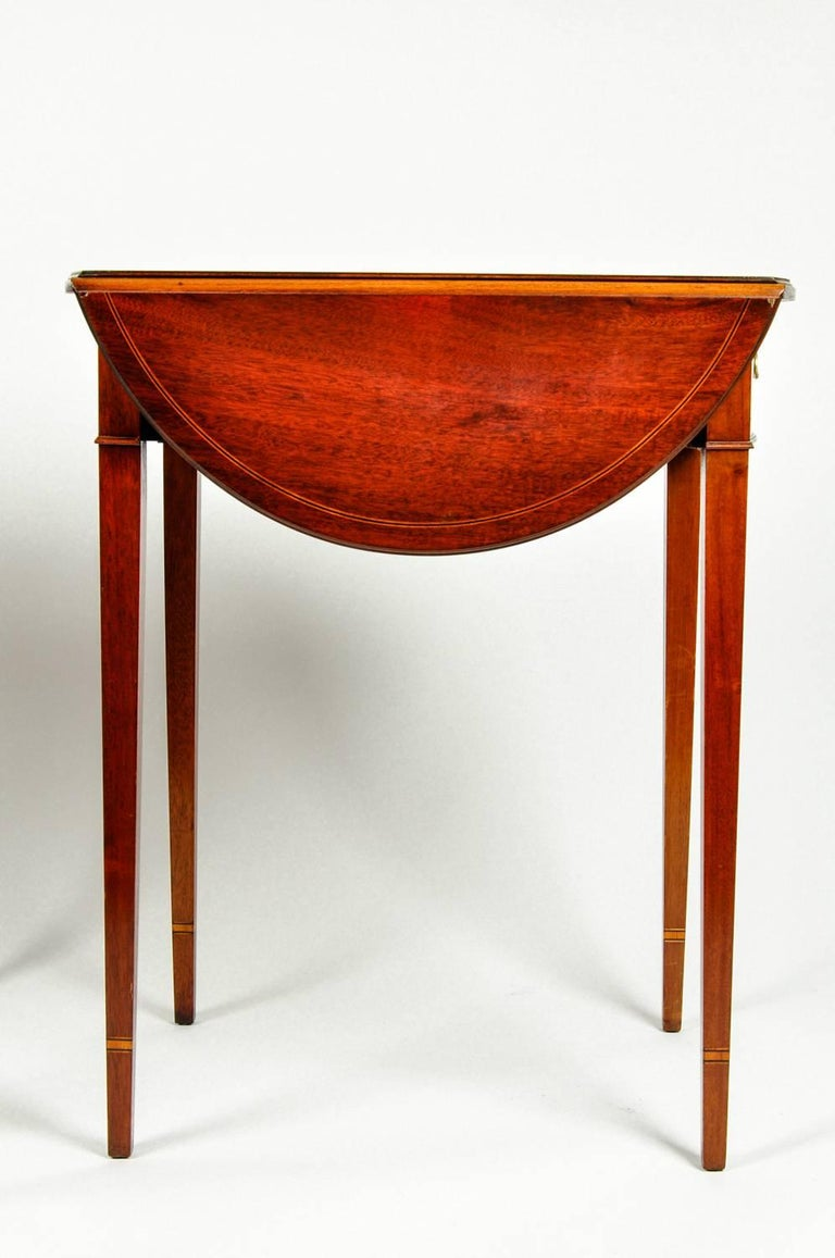 Antique Pair of Cherry / Satinwood Banded Pembroke Side Tables For Sale 5