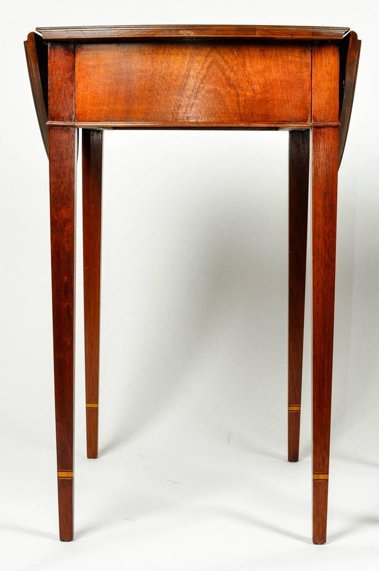 Antique Pair of Cherry / Satinwood Banded Pembroke Side Tables For Sale 1