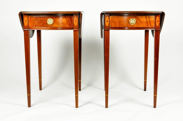Antique Pair of Cherry / Satinwood Banded Pembroke Side Tables For Sale 2