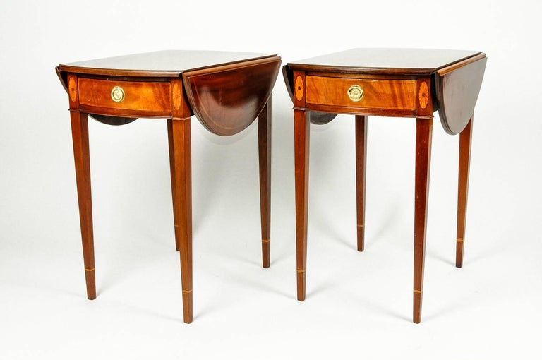 Antique Pair of Cherry / Satinwood Banded Pembroke Side Tables For Sale 3