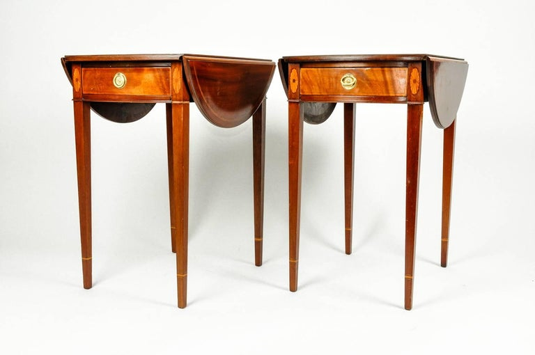 Antique Pair of Cherry / Satinwood Banded Pembroke Side Tables For Sale 4