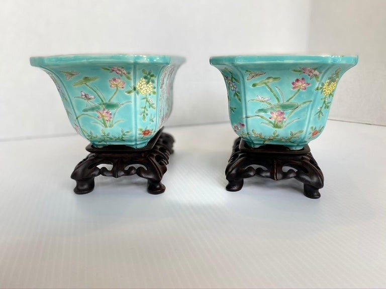 Chinese Export Antique Pair of Chinese Porcelain Jardinières