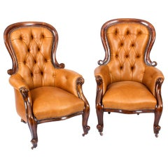 Pair of English Victorian Mahogany Spoonback Leather Armchairs, 19th Century