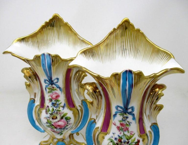Antique French Vieux Paris Gilt Porcelain Vases Urns Flowers Sèvres Style, Pair 2