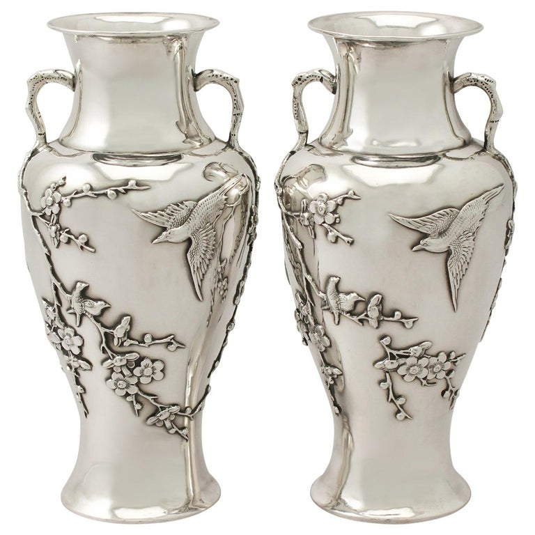 Antique Pair of Chinese Export Silver Vases, circa 1890 For Sale