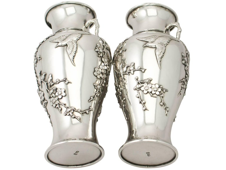 Antique Pair of Chinese Export Silver Vases For Sale 6