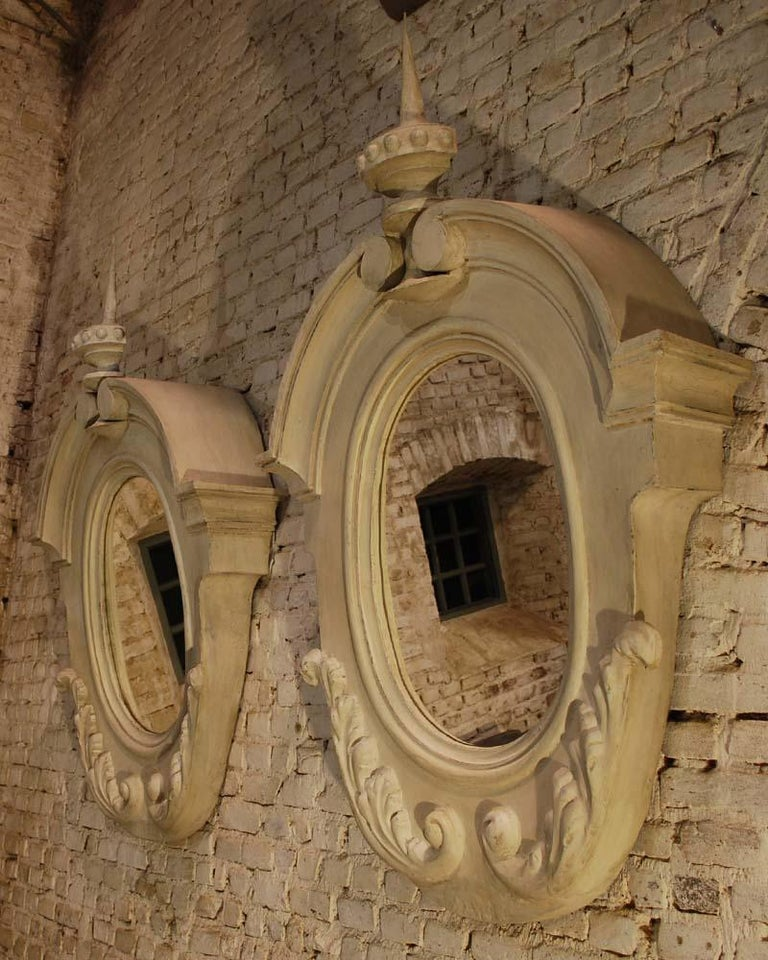 Antique Pair of French Architectural Oeil de Boeuf Mirrors in Zinc  In Good Condition For Sale In Casteren, NL