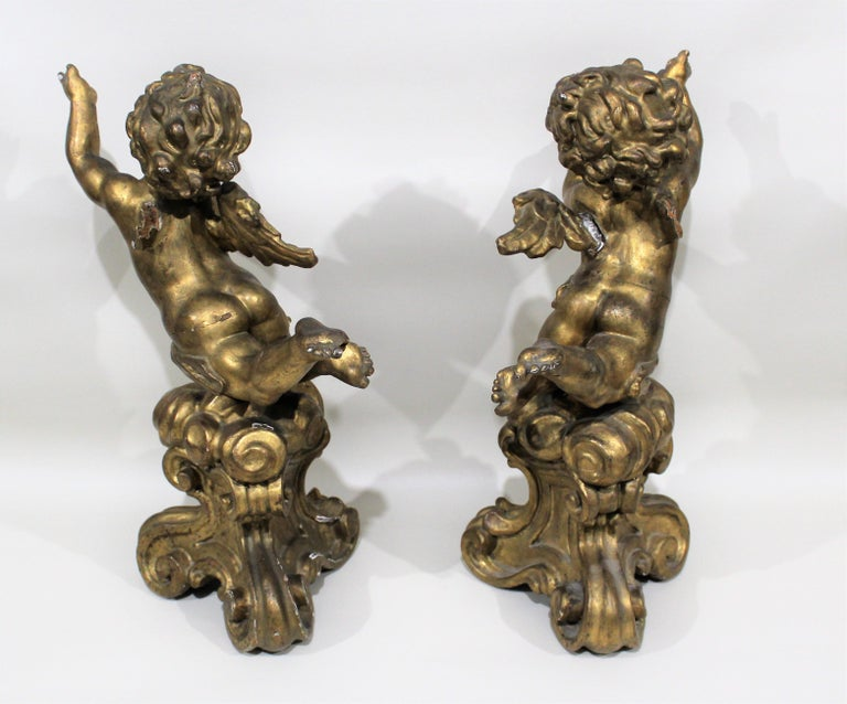 Antique Pair of Gilt Carved Wood Putti Figures For Sale 1