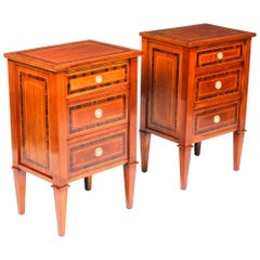 Antique Pair of Italian Flame Mahogany Bedside Chests Cabinets, 19th Century