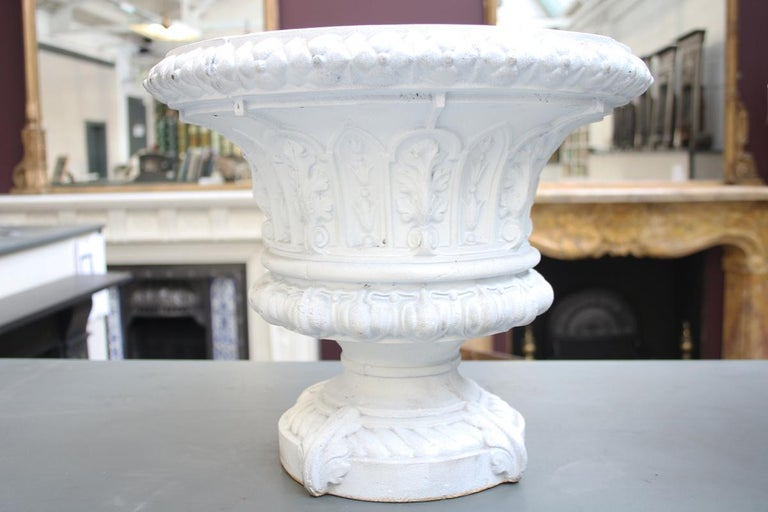 English Antique Pair of Mid-Victorian Cast Iron Garden Urns For Sale