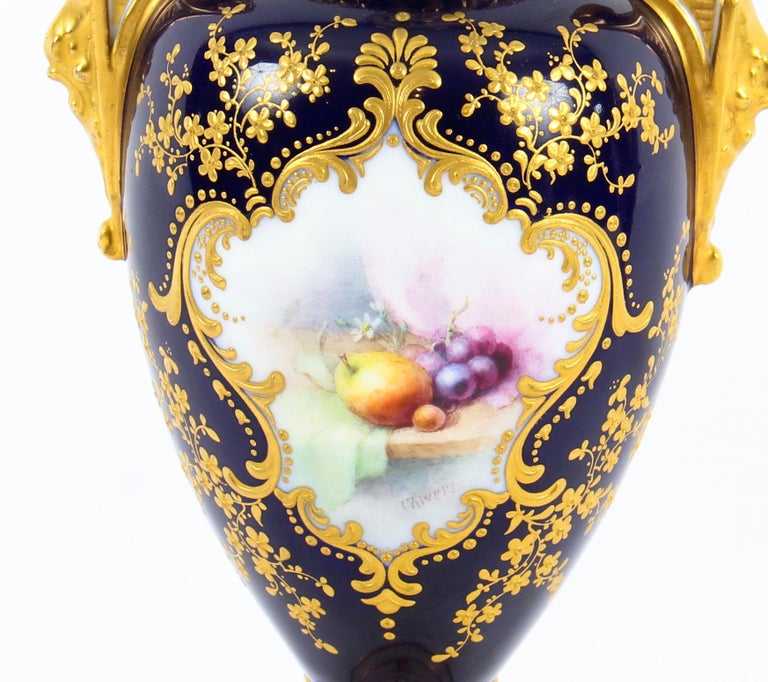 Early 20th Century Antique Pair of Royal Worcester Porcelain Two Handled Pedestal Ovoid Vases 1903 For Sale
