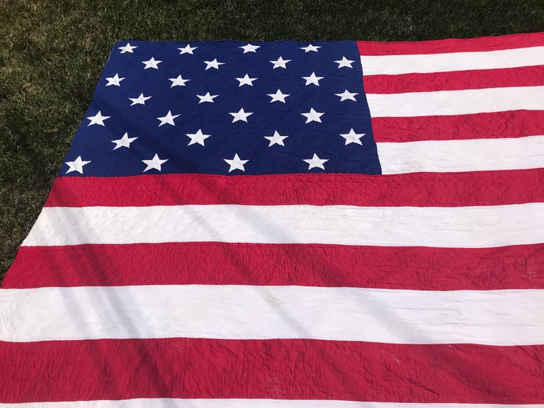 Antique Patriotic Flag Quilt with 18 Stars Appliqued In Good Condition For Sale In Los Angeles, CA