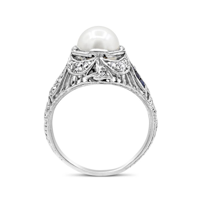 Round Cut Antique Pearl Diamond Sapphire Art Deco Ring For Sale
