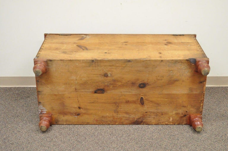 Antique Pennsylvania Dovetailed Red Painted Rustic Primitive Blanket Chest Trunk For Sale 5