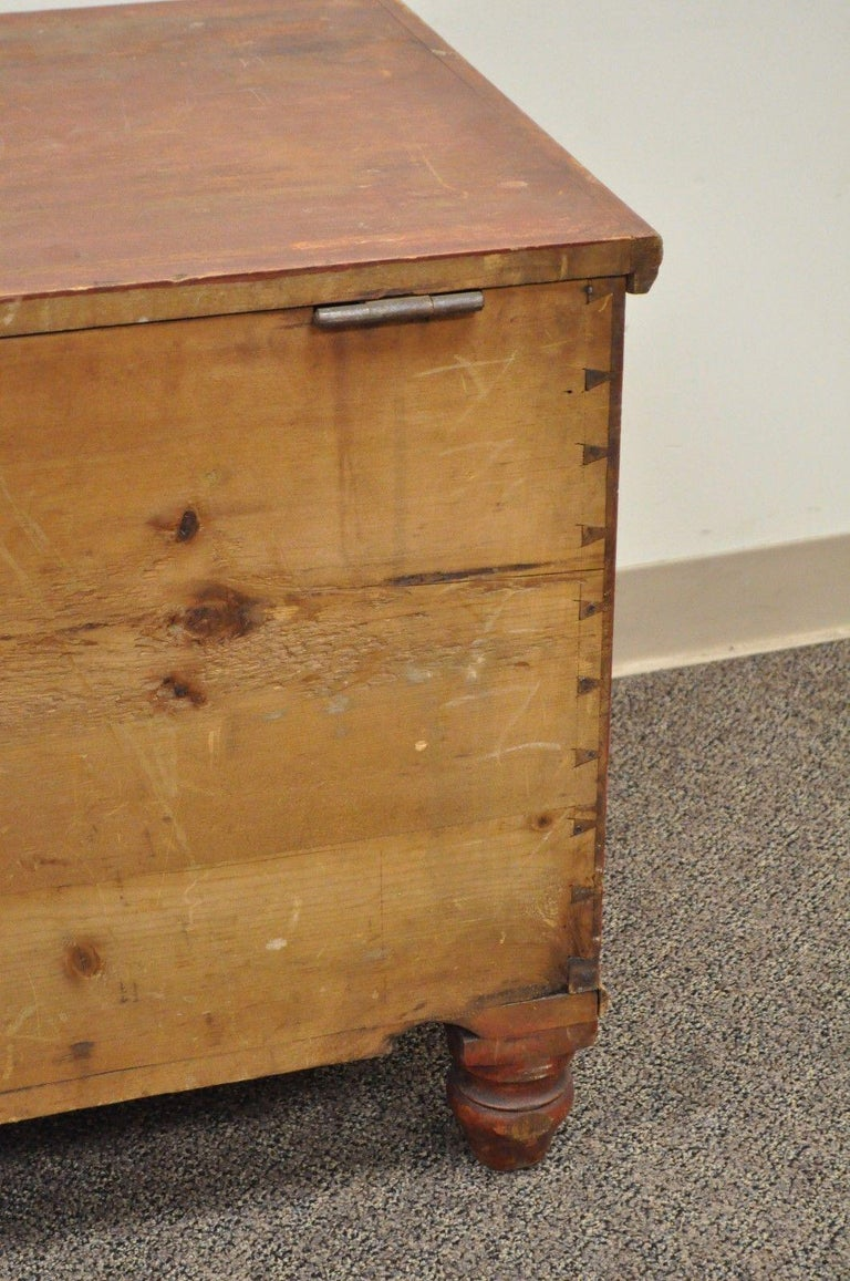 Antique Pennsylvania Dovetailed Red Painted Rustic Primitive Blanket Chest Trunk In Good Condition For Sale In Philadelphia, PA