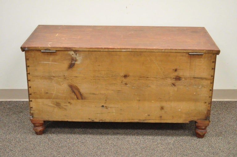 Antique Pennsylvania Dovetailed Red Painted Rustic Primitive Blanket Chest Trunk For Sale 2