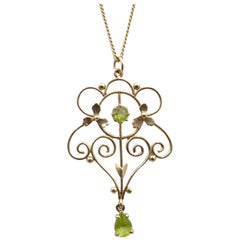Antique Peridot Yellow Gold Pendant