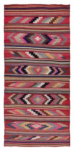 Antique Persian Area Rug Kilim Design, Size: 4'7'' x 9'8''