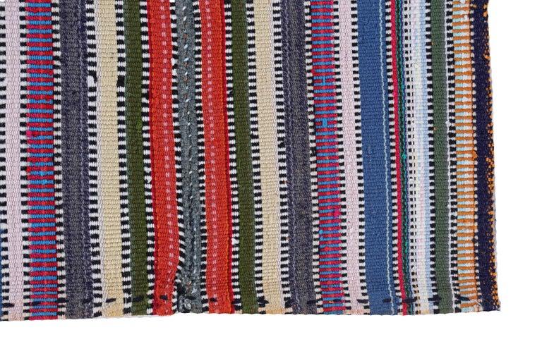 Antique Persian Area Rug Kilim Design In Excellent Condition For Sale In Dallas, TX