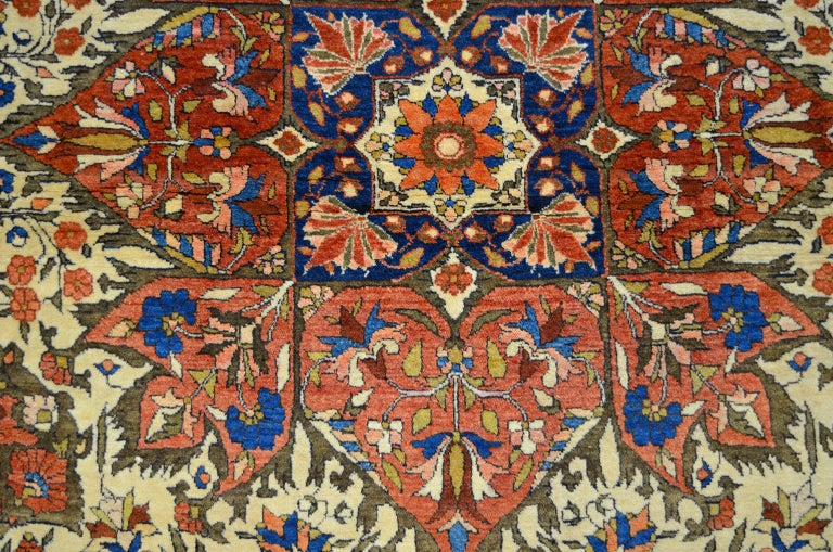Red, Cream, and Light Blue Antique Persian Farahan Carpet c. 1890 in Pure Wool In Good Condition For Sale In New York, NY