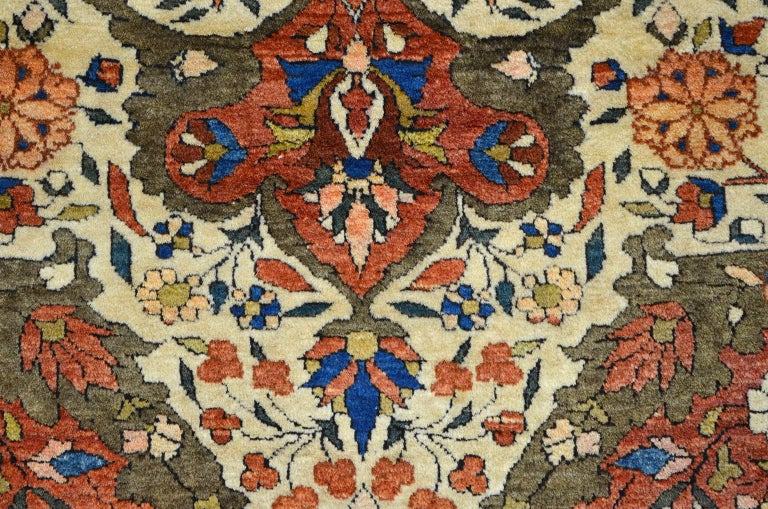 Red, Cream, and Light Blue Antique Persian Farahan Carpet c. 1890 in Pure Wool For Sale 3