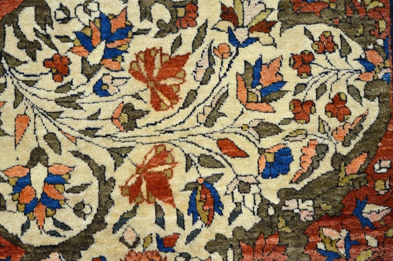 Red, Cream, and Light Blue Antique Persian Farahan Carpet c. 1890 in Pure Wool For Sale 4