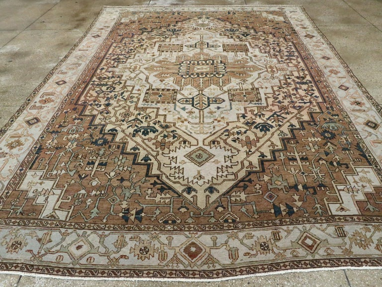 Antique Persian Heriz Carpet In Good Condition For Sale In New York, NY
