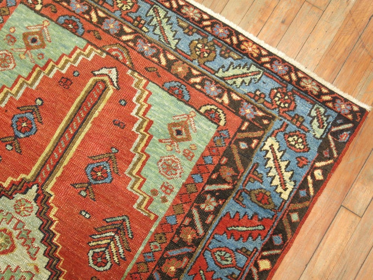 Antique Persian Heriz Rug In Good Condition For Sale In New York, NY