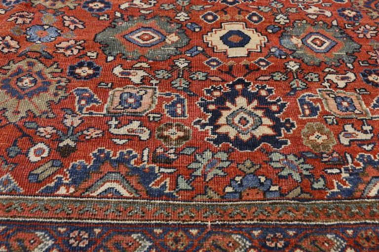 Antique Persian Mahal Area Rug with Federal and American Colonial Style In Good Condition For Sale In Dallas, TX