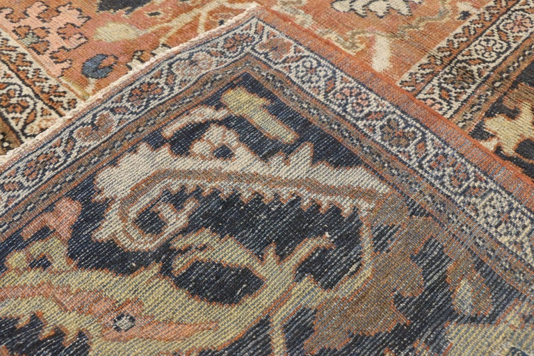 Antique Persian Mahal Rug with Traditional Style In Fair Condition For Sale In Dallas, TX