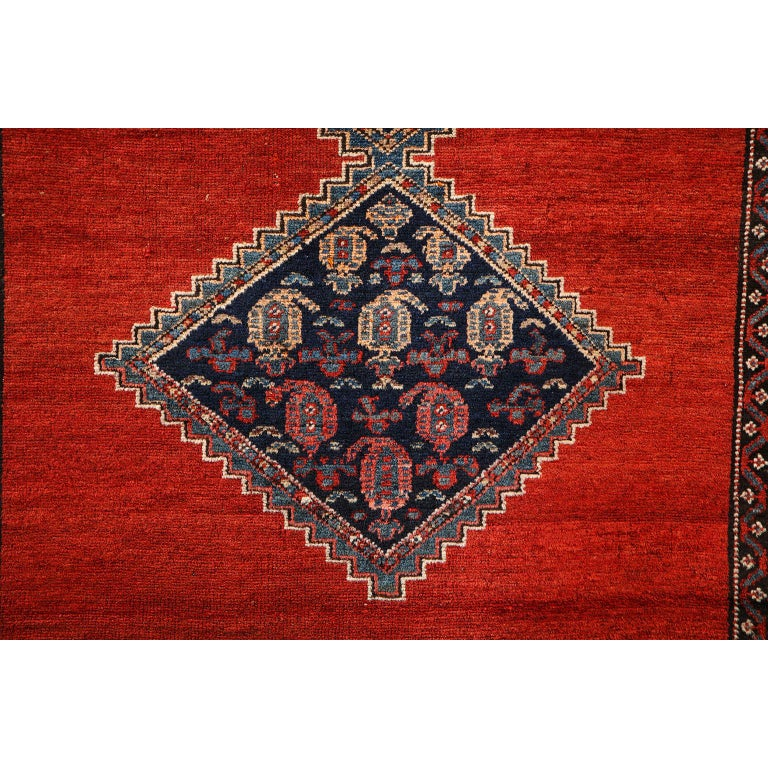 Antique Persian Malayer Carpet in Pure Wool and Vegetable Dyes, circa 1900 In Good Condition For Sale In New York, NY