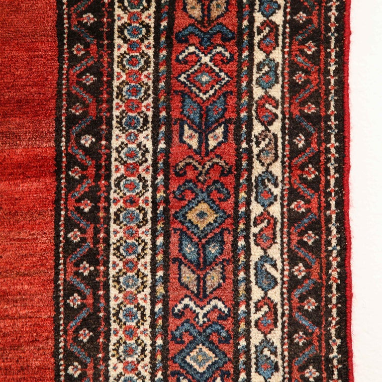 Early 20th Century Antique Persian Malayer Carpet in Pure Wool and Vegetable Dyes, circa 1900 For Sale
