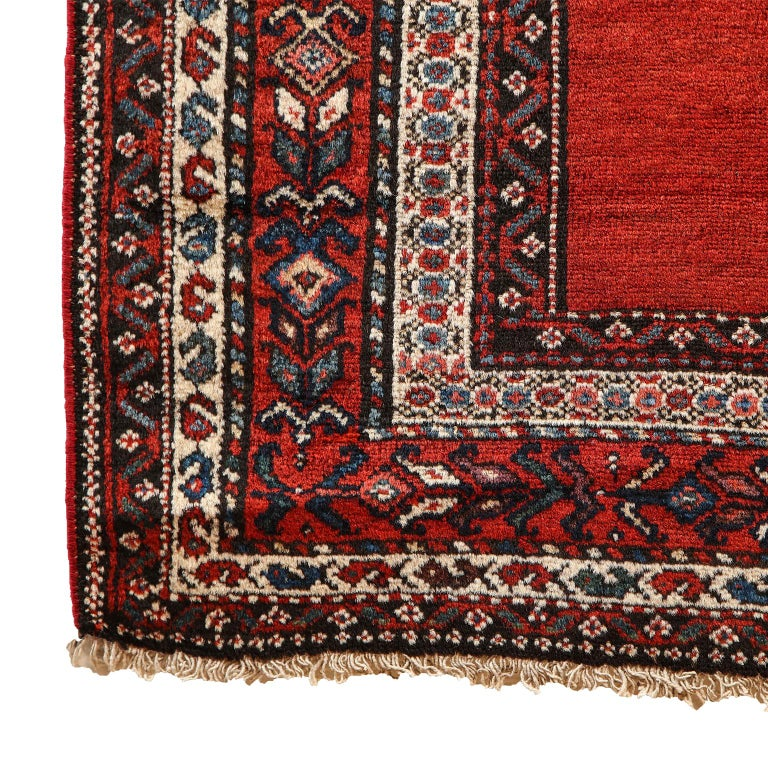 Antique Persian Malayer Carpet in Pure Wool and Vegetable Dyes, circa 1900 For Sale 1