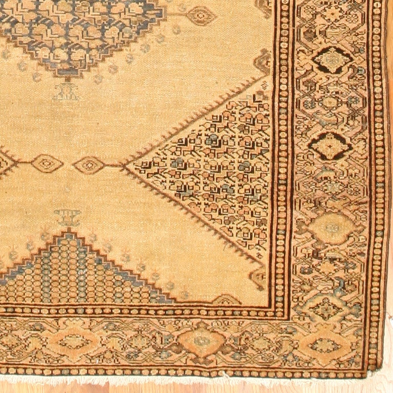 Antique Persian Malayer Gallery Carpet. Size: 5 ft 4 in x 11 ft 10 in In Good Condition For Sale In New York, NY