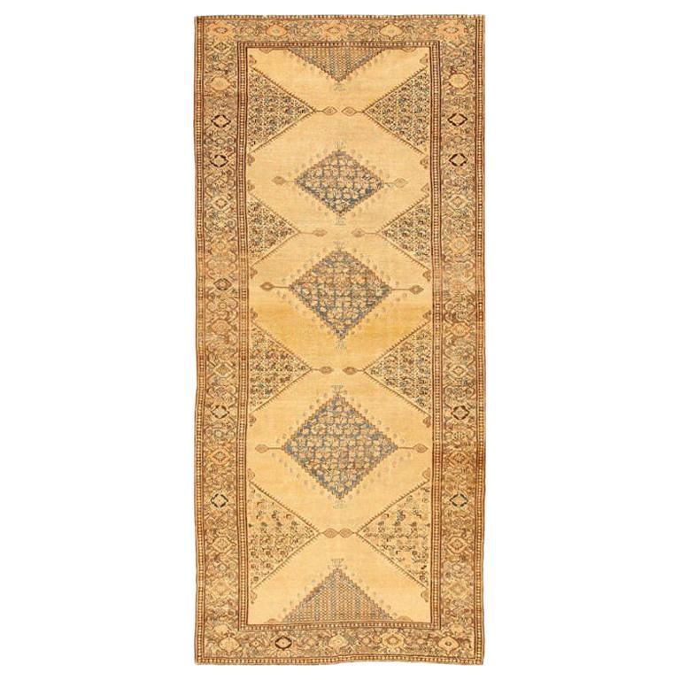Antique Persian Malayer Gallery Carpet. Size: 5 ft 4 in x 11 ft 10 in For Sale