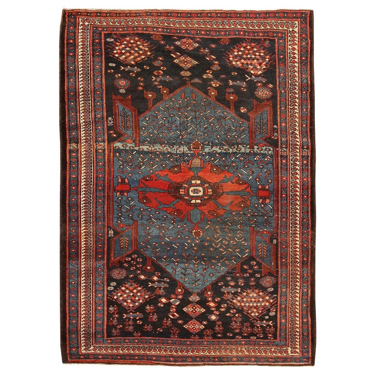 Antique Persian Malayer Rug. Size: 4 ft 7 in x 6 ft 5 in For Sale