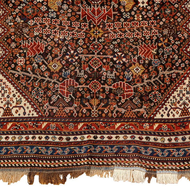 Early 20th Century Antique Persian Qashqai Kashkooli Carpet in Pure Wool and Vegetal Dyes For Sale