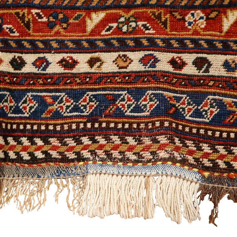 Antique Persian Qashqai Kashkooli Carpet in Pure Wool and Vegetal Dyes For Sale 1