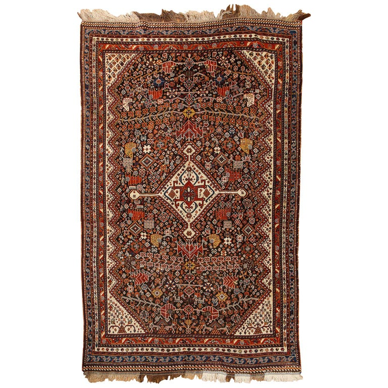 Antique Persian Qashqai Kashkooli Carpet in Pure Wool and Vegetal Dyes For Sale