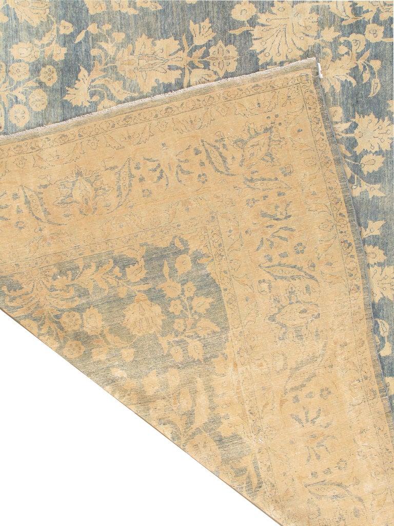 Antique Persian Sarouk Rug, circa 1900 For Sale 1