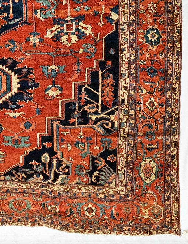 Antique Persian Serapi Carpet, circa 1880-1900 In Good Condition For Sale In New York, NY