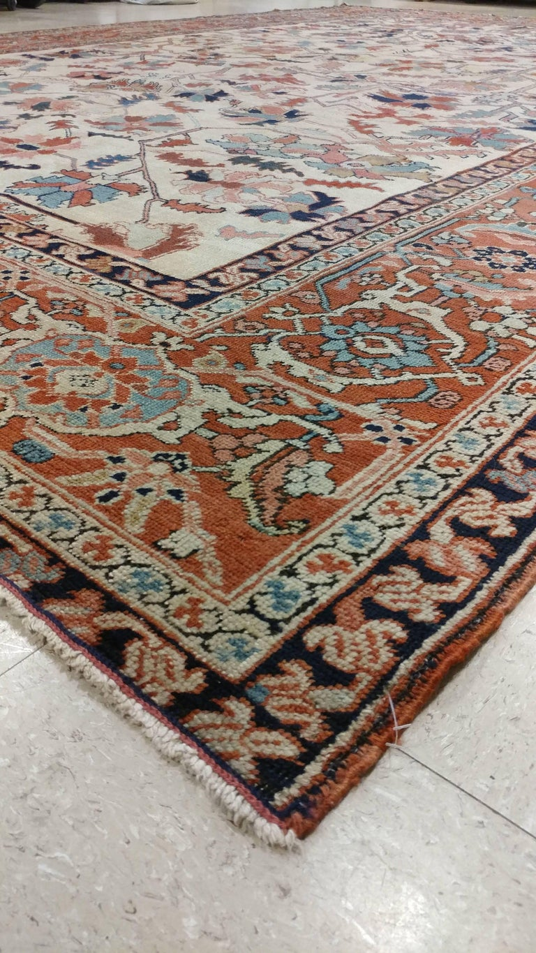 Antique Persian Serapi Carpet, Handmade Wool Oriental Rug, Ivory and Light Blue In Good Condition For Sale In New York, NY