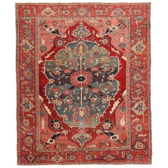 Antique Persian Serapi Rug. Size: 8 ft 8 in x 10 ft 7 in (2.64 m x 3.23 m)