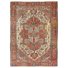 Antique Persian Serapi Rug with Ivory Background & Detailed Layered Medallion