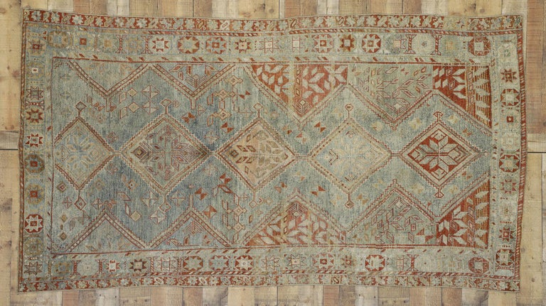 Antique Persian Shiraz Rug with Subtle Bungalow Style In Distressed Condition For Sale In Dallas, TX